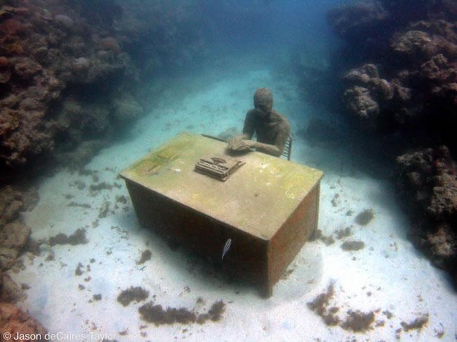 underwater-sculptures-artist-jason-decaires-taylor-artificial-reefs-20